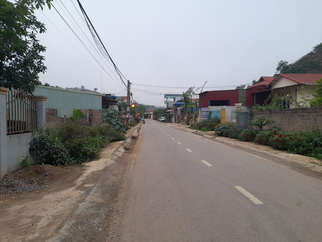 Mảnh đất thị trấn Mộc Châu cảnh đẹp 4 mùa khí hậu mát mẻ thichs hượp làm khu du lịch nghỉ dưỡng